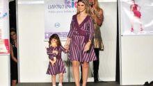 Esther Menezes (Empório Kids) desfila com a roupa de sua loja igual a da sua filha Eduarda