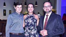Davi e sua esposa conselheira Elaine Padilha e o vice-presidente Valdir Pereira