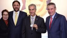 Governador é homenageado com Gran Colar da Ordem do Mérito Industrial