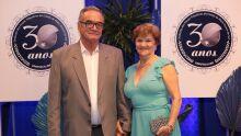 Presidente da Aposentaaf, Roberci Victorio, um dos homenageados da noite com sua esposa