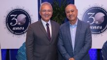 Francisco Carlos Assis, presidente do Sindifiscal-MS, e Carlos Alberto de Assis, secretario de Estado