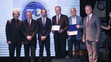 Diretoria do Sindifiscal MS com os homenageados, Secretario de Estado, Carlos Alberto de Assis, e desembargador Odemilson Roberto Castro Fassa, TJMS