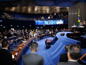 Aécio diz que voto não é salvo-conduto; Dilma lembra ações para desestabilizá-la