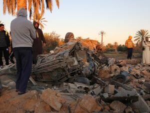 Aviões egípcios bombardeiam principal campo de grupos terroristas na Libia