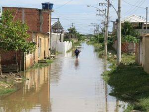 População do Rio ainda sofre com as consequências do temporal de quinta-feira