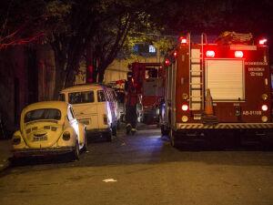 Três crianças morrem em incêndio em galpão com moradores de rua
