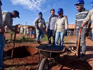 Prefeito visita obras do Bom Retiro, em Campo Grande