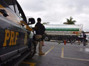 PRF aplica 349 multas em rodovias, no valor de R$ 1,77 milhão