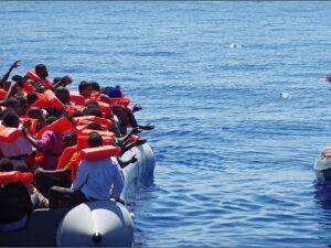 Mortes de imigrantes no Mediterrâneo chegam a quase 1,5 mil neste ano