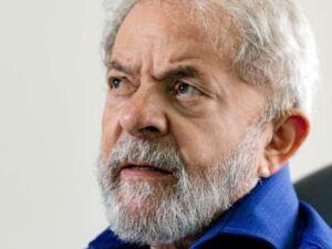 MST faz ato em frente ao TSE em defesa da candidatura de Lula