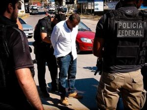 Agentes da PF prendem um dos seis traficantes mais procurados do Brasil