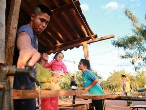 Moradores de aldeia começam cursos de qualificação