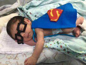 Prematuros viram super-heróis na Maternidade Cândido Mariano