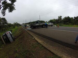 Acidente envolvendo quatro veículos deixa um ferido na BR-163