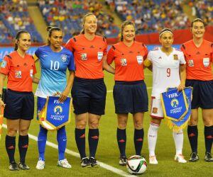 Seleção Feminina enfrenta Espanha e Islândia
