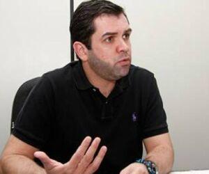 Tavares deixa saúde, Carlos Coimbra deve assumir