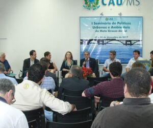 Profissionais e gestores discutem políticas urbanas e ambientais em seminário
