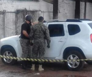 Veículo que teria participado de execução de dono de lava jato é encontrado abandonado
