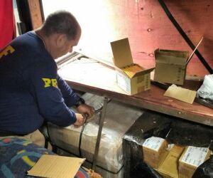 PRF apreende carga milionária de eletrônicos na BR-463 em Ponta Porã