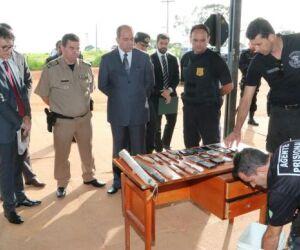 Inspeção em presídio de Aparecida de Goiânia encontra armas, celulares e drogas
