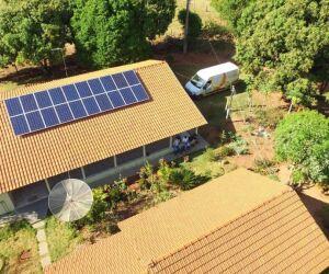Em Ivinhema, sítio implanta sistema de energia solar fotovoltaica