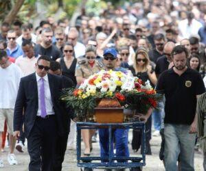Delegado assassinado é enterrado no Rio