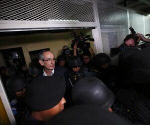 Ex-presidente da Guatemala e ex-presidente da Oxfam são presos por corrupção