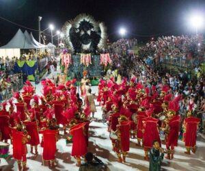 Desfile das escolas de samba da Capital é adiado para sábado