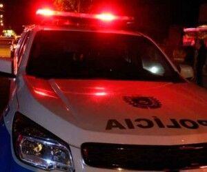 Após arremessar garrafas contra a polícia, trio é preso no último dia de Carnaval