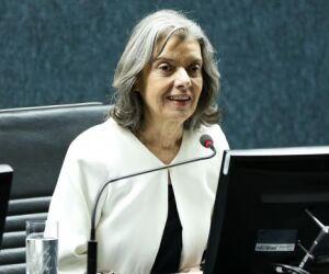 Presidente do STF diz que não vai se submeter a pressões políticas