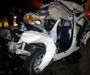 'Milagre', diz pai após ficar preso às ferragens em acidente com a família