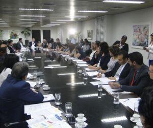 Medidas para reduzir demandas judiciais na saúde são debatidas em reunião
