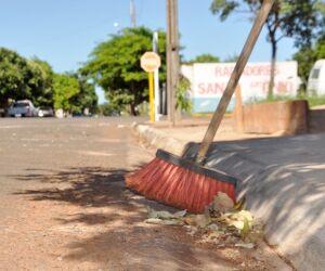 """Prefeitura inclui """"Campanha Calçada Limpa"""" no calendário oficial"""