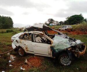 Jovem morre após carro capotar na MS-475