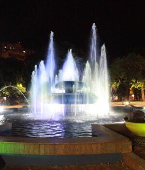 Praça Ary Coelho é revitalizada e recebe novo chafariz para o aniversário da capital