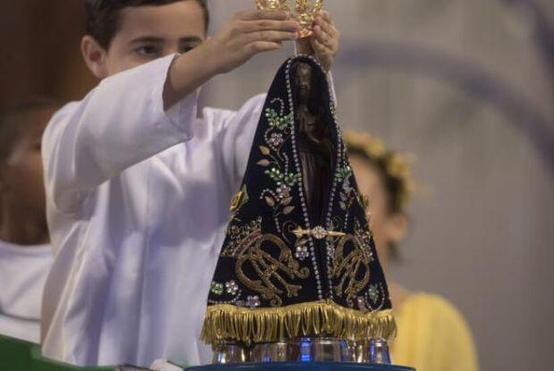 Fiéis celebram 300 anos do encontro da imagem de Nossa Senhora Aparecida