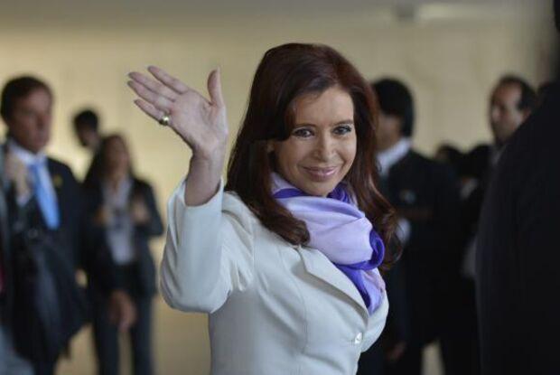 Juiz pede perda de imunidade da senadora Cristina Kirchner para detê-la