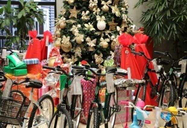35 crianças esperam ser apadrinhadas para receber presentes neste Natal