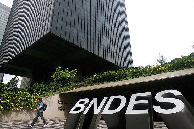BNDES pretende devolver R$130 bilhões ao Tesouro Nacional em 2018, diz diretor