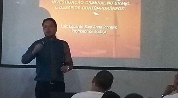 Cabos participam de palestra ministrado por Promotor de Justiça