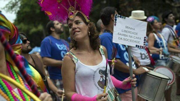Bloquinho, matinê e bailinho marcam a terça de Carnaval na Capital