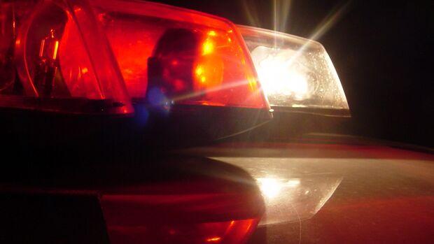 Dupla em moto pede informação e atira contra mulher em Dourados