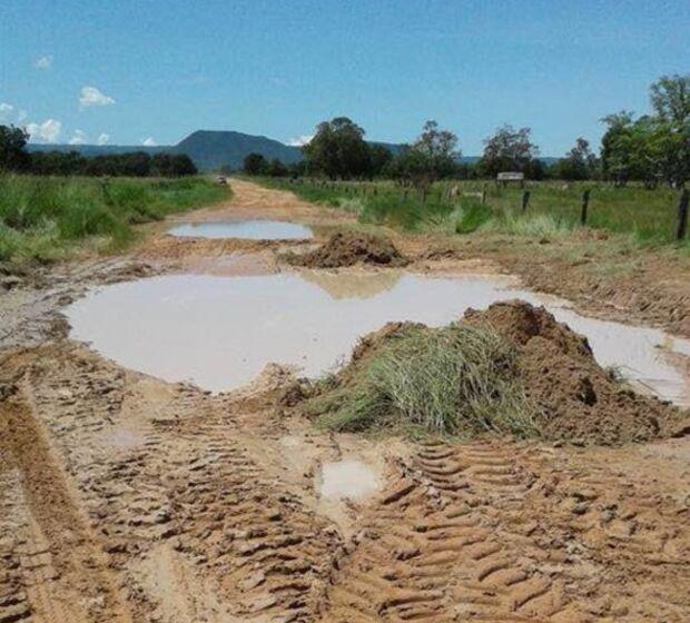 Fazendeiro denúncia descaso com estradas de Rio Verde
