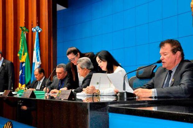 Deputados votam três projetos e uma resolução na ALMS