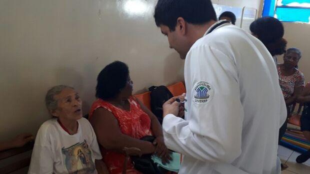 Prefeitura convoca 71 médicos temporários