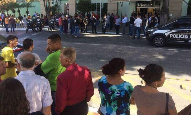Secretária de vereador é morta por Policial Civil na Câmara