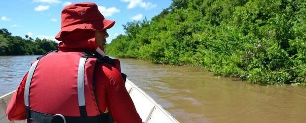 Mulher desaparece no rio Miranda durante banho