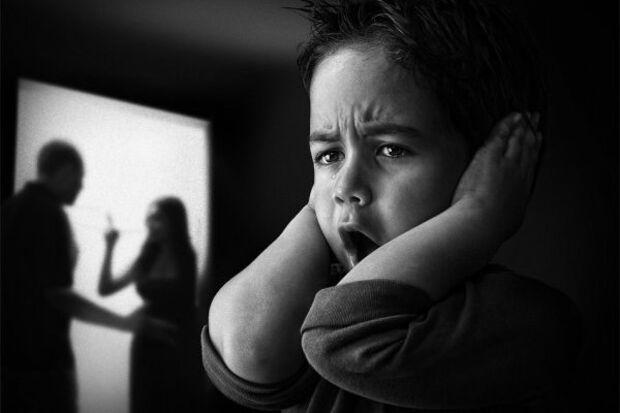 Homem chega bêbado em casa e tenta agredir esposa e filhas
