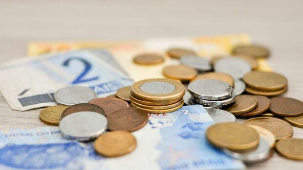 Adiada votação de parecer sobre teto salarial do funcionalismo