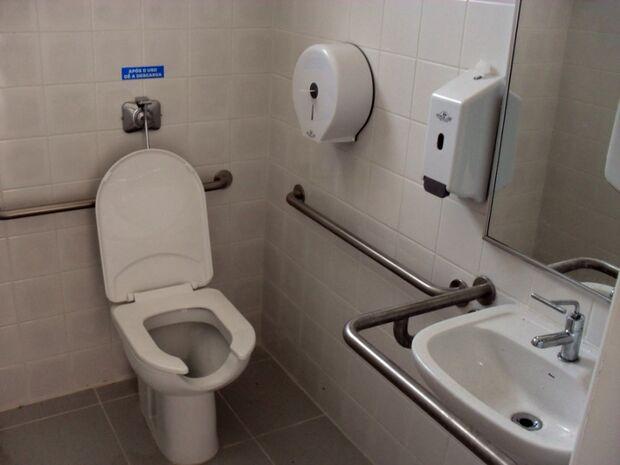 Alarmes serão obrigatórios em banheiros para pessoas com deficiência